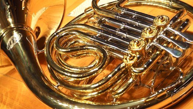 吹奏楽部楽器決めホルンの魅力を徹底解説