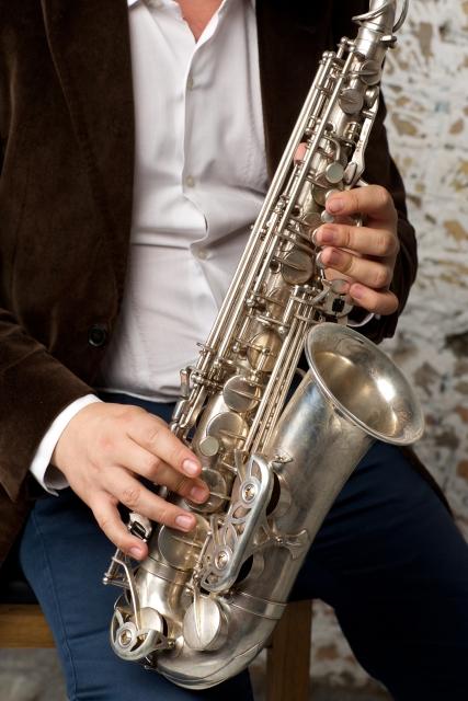 サックス 吹奏楽での役割は音を混ぜること